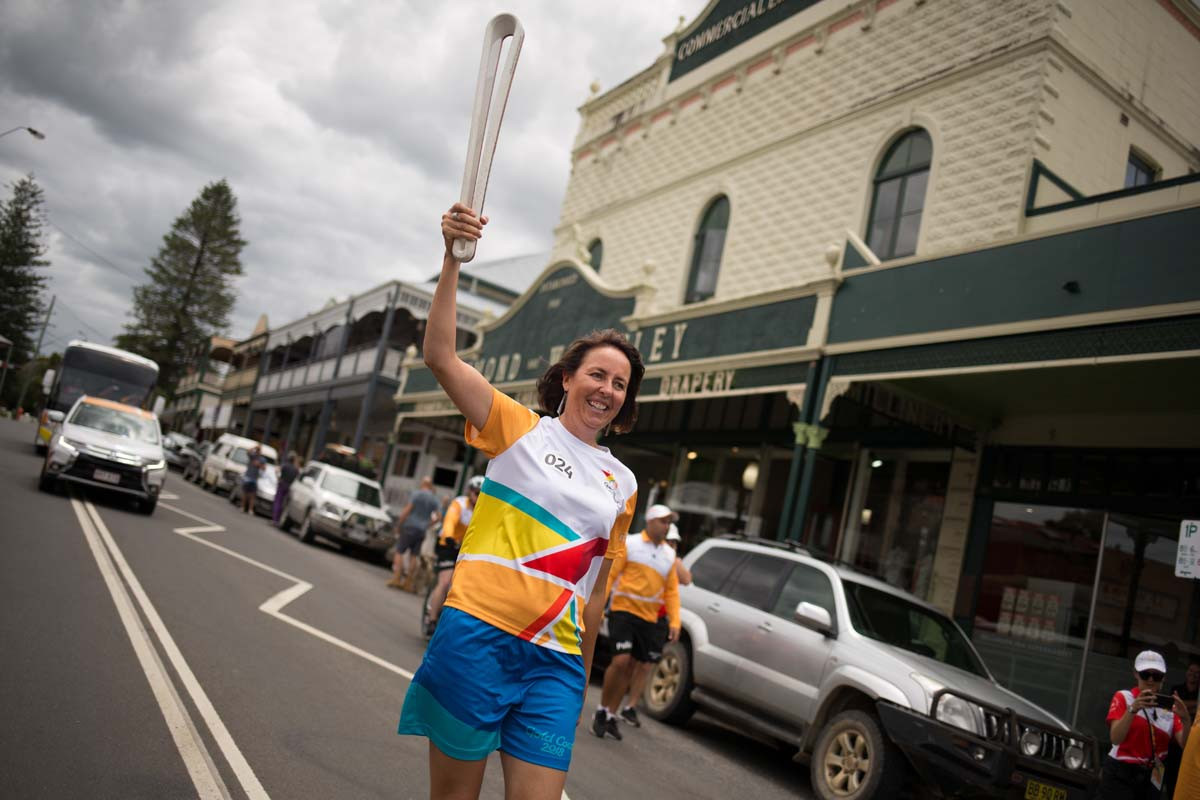 Two-time Commonwealth Games gold medallist Liz Ellis carried the Baton in Bellingen ©Gold Coast 2018