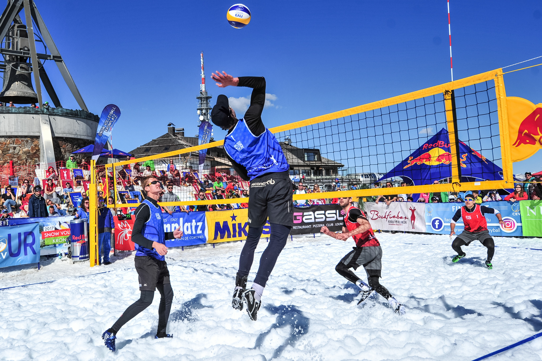 The FIVB held their first Snow Volleyball World Tour in 2019 ©FIVB