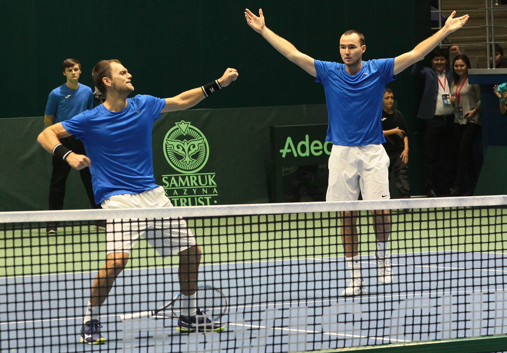 United States of America clinches over shorthanded Serbia to advance in Davis Cup