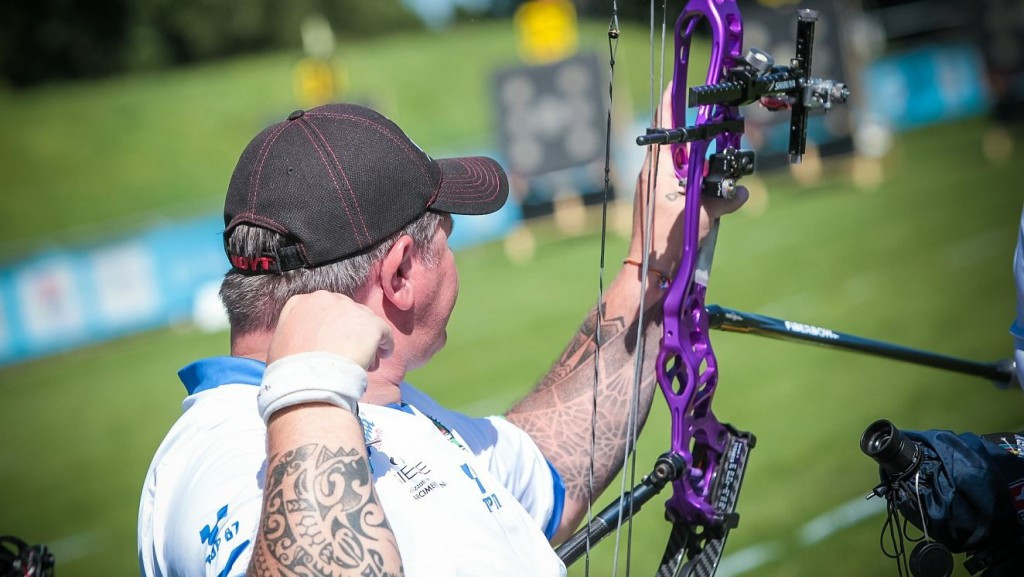 Simonelli rolls back the years to make compound final at World Para-Archery Championships