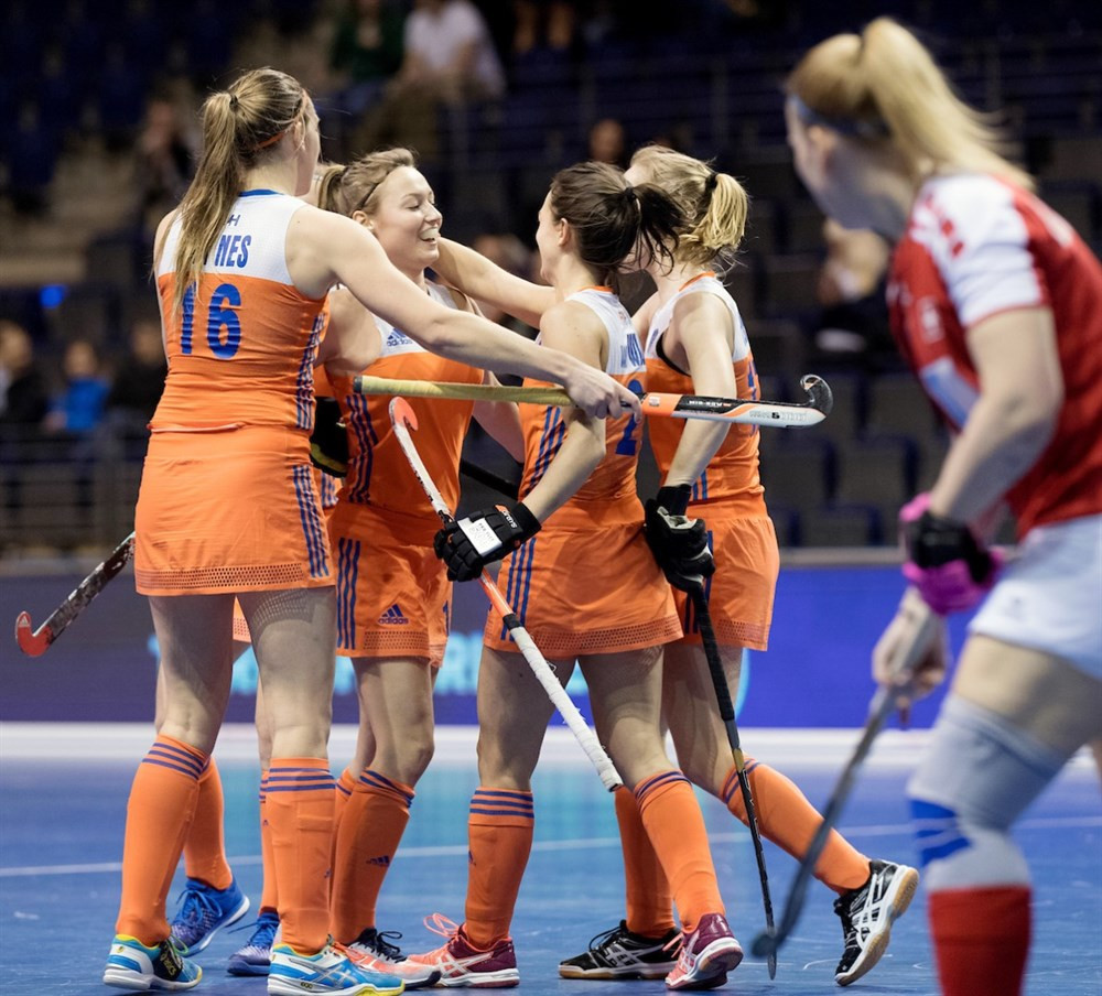 Defending champions The Netherlands got their campaign off to a good start with a 5-2 win over Switzerland ©FIH