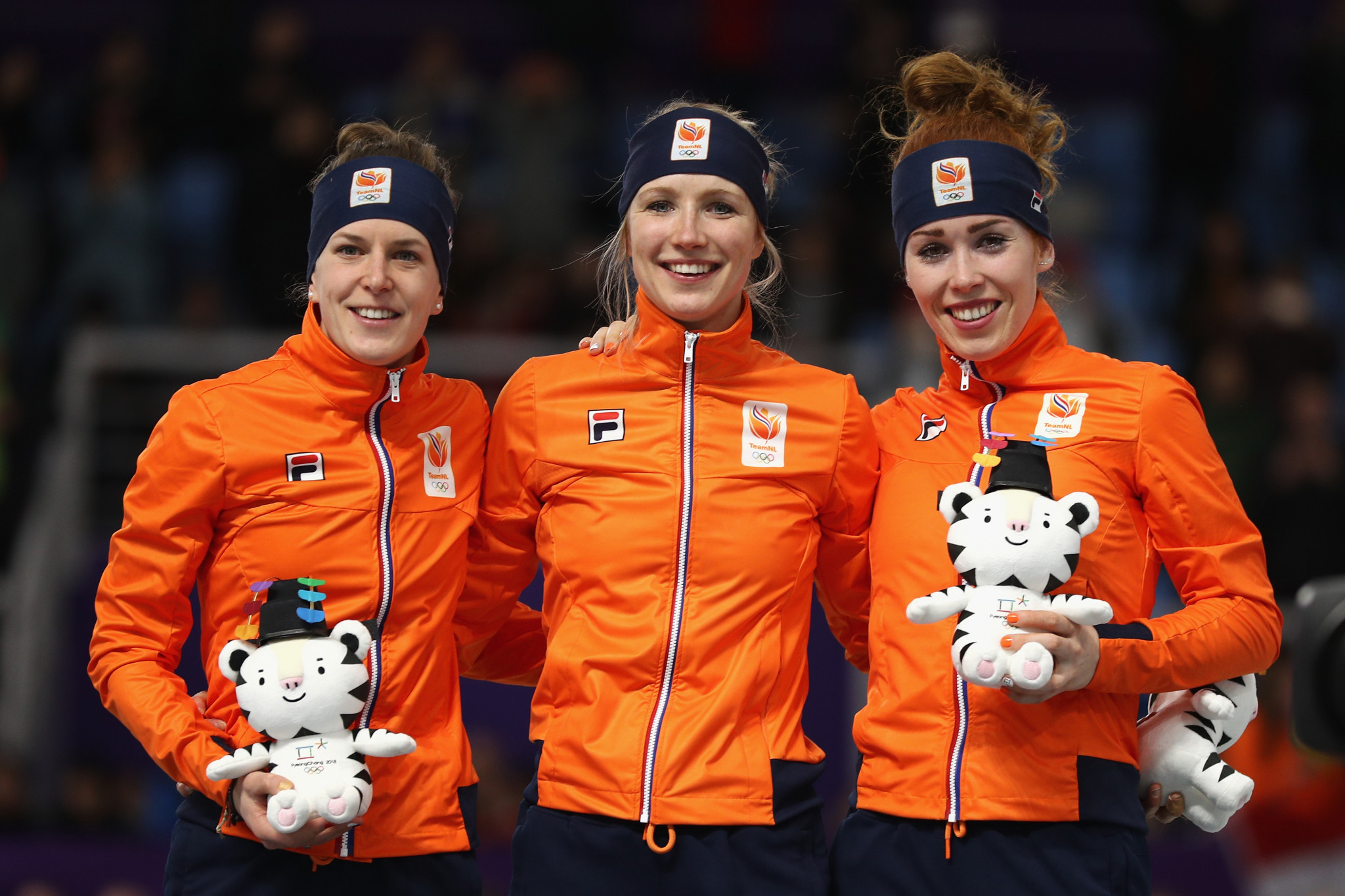 Dutch Speed Skaters Dominate Women's 3000-M Final
