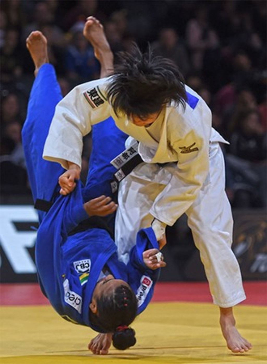Japan's 17-year-old Abe Uta took just nine seconds to win her first bout against Brazil's Eleudis Valentim en route to the under 52kg gold medal in the Paris Grand Prix ©IJF