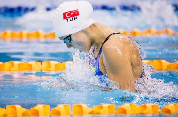 Turkey's Viktoria Gunes posted a stunning time to win women's 200m breaststroke gold on the final day of the FINA World Junior Championships ©Swimming World/Twitter