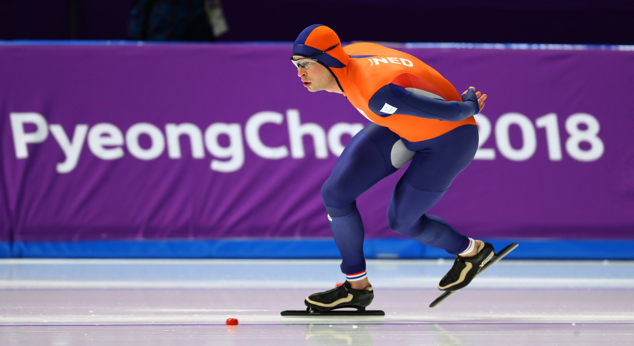Kramer skates into history books with third consecutive Olympic 5,000m title at Pyeongchang 2018