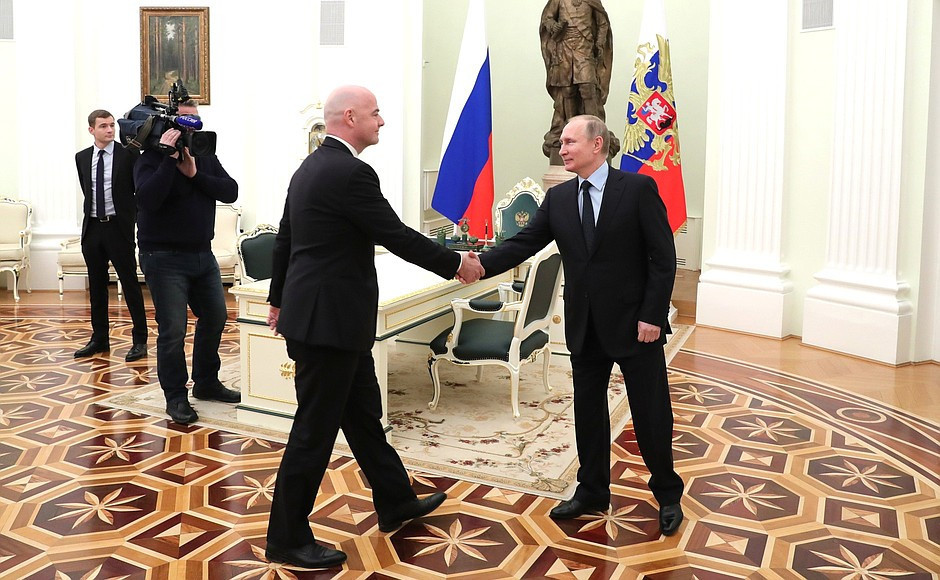 Infantino meets Putin to discuss 2018 FIFA World Cup preparations