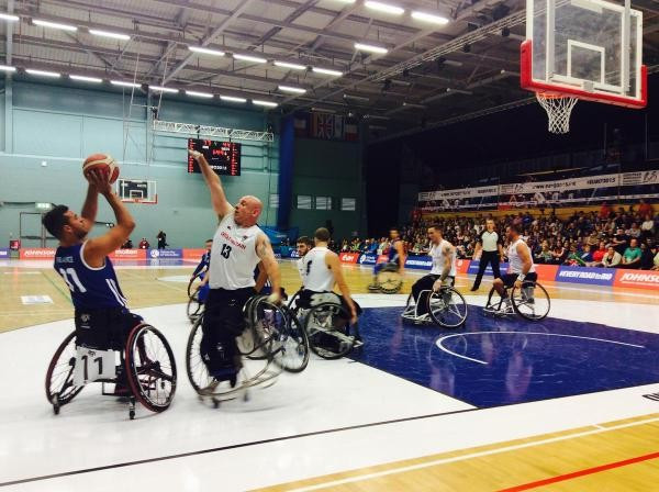 Defending champions and hosts Britain recovered from their loss at the hands of Poland with a win over France