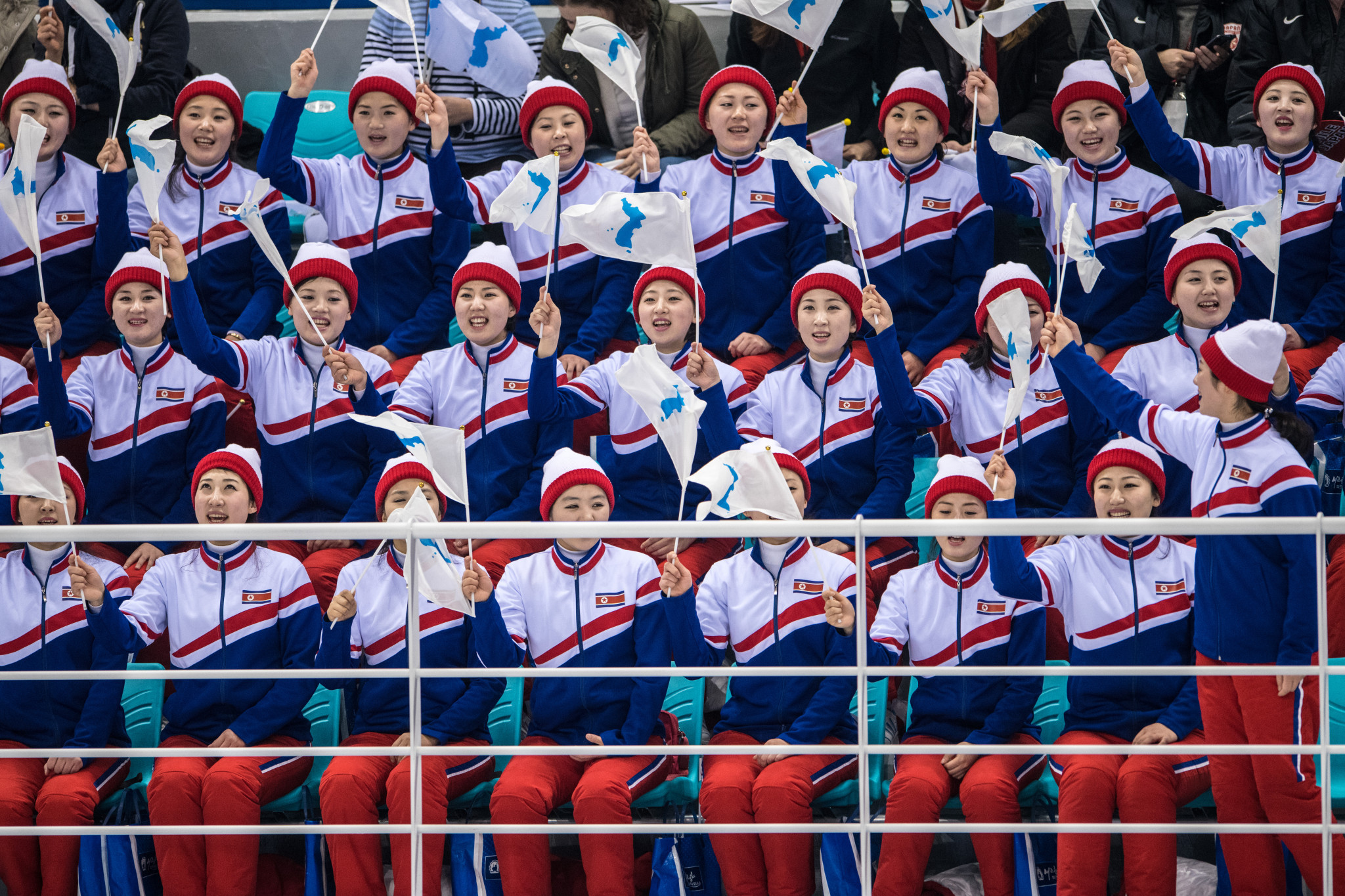 Cheerleaders support the unified Korean ice hockey team ©Getty Images