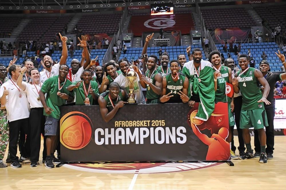 Nigeria celebrate winning the 2015 edition of AfroBasket ©FIBA
