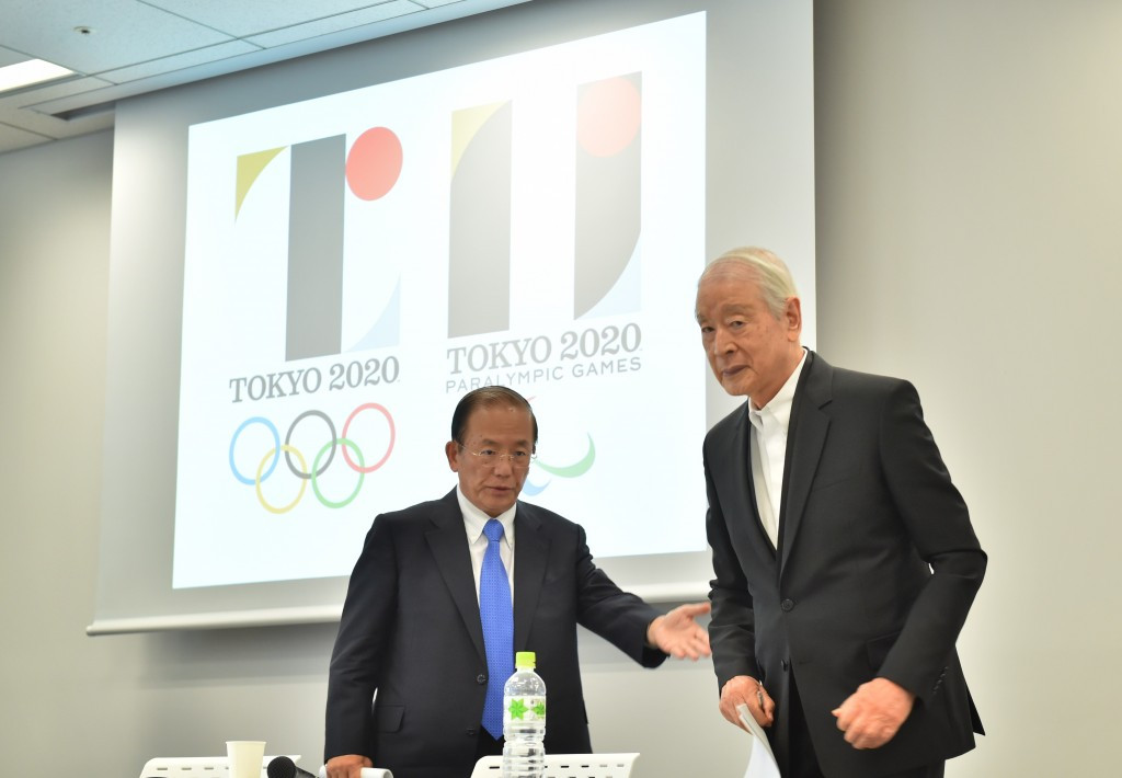 Kazumasa Nagai (right), a representative of the Selection Committee for the Tokyo 2020 emblem, has defended its originality ©Getty Images