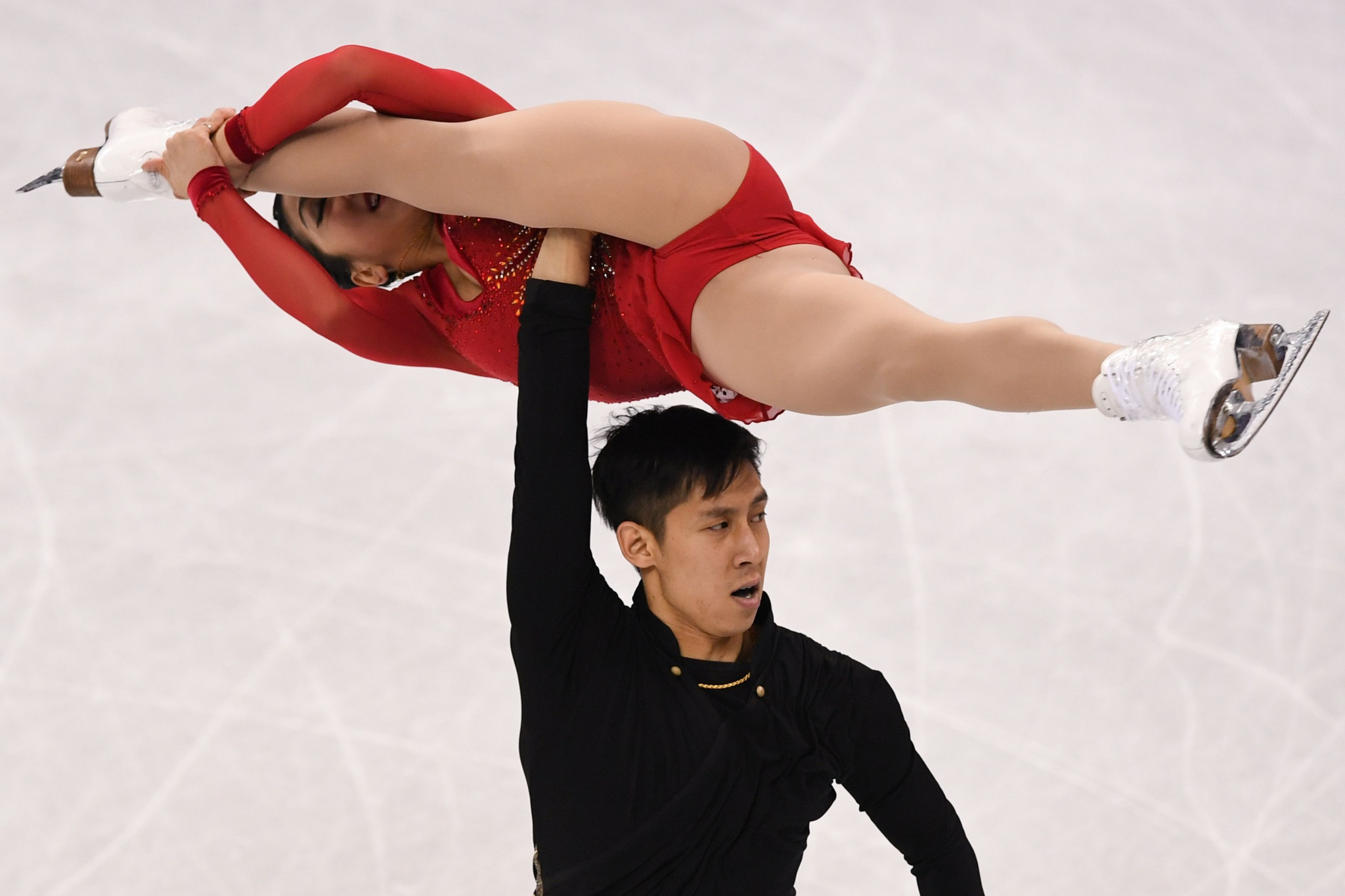 China's Sui Wenjing and Han Cong finished a close second to claim the silver medal ©Getty Images