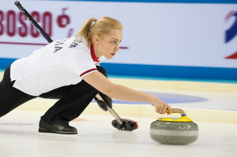 Russia ease through to quarter-finals at World Mixed Doubles Curling Championship