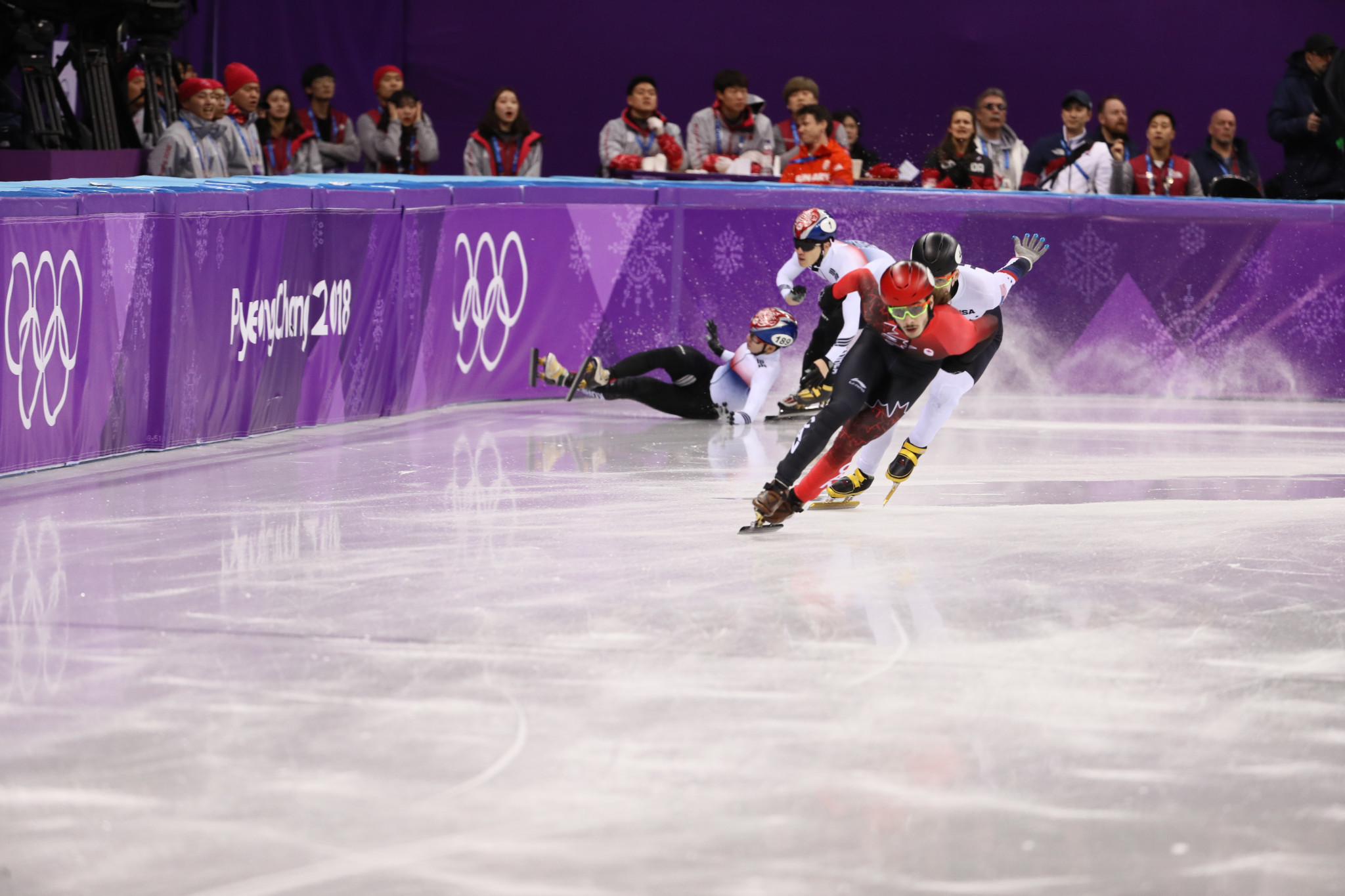 Canada's Samuel Girard emerged triumphant from an action-packed men's 1,000m final to secure the gold medal ©Getty Images