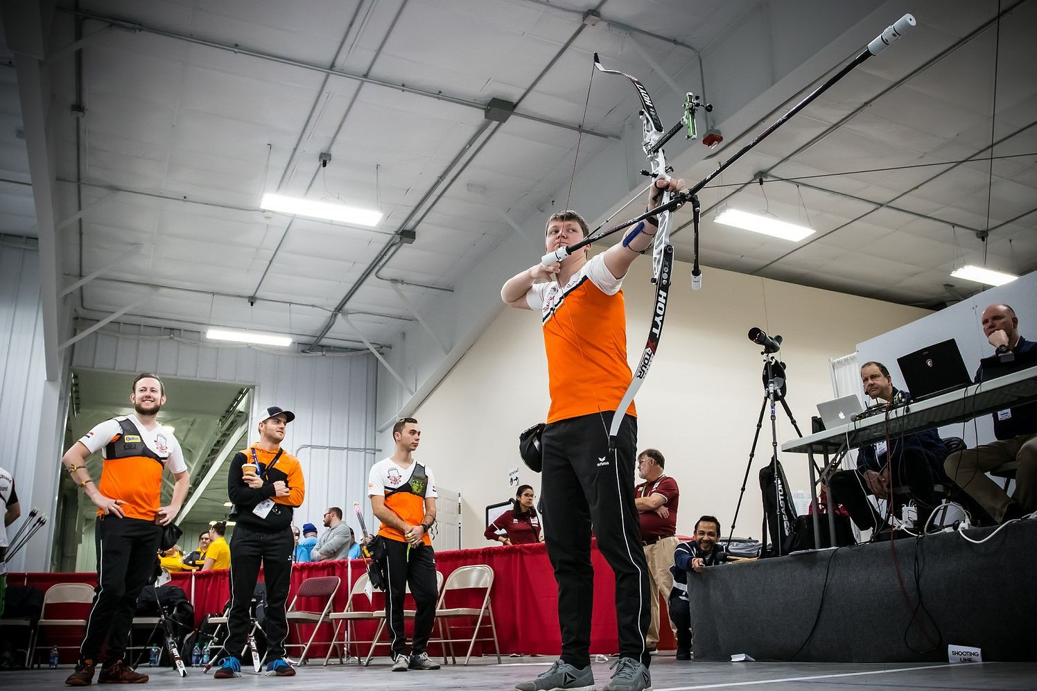 Favourites Netherlands through to men's recurve final at World Archery Indoor Championships