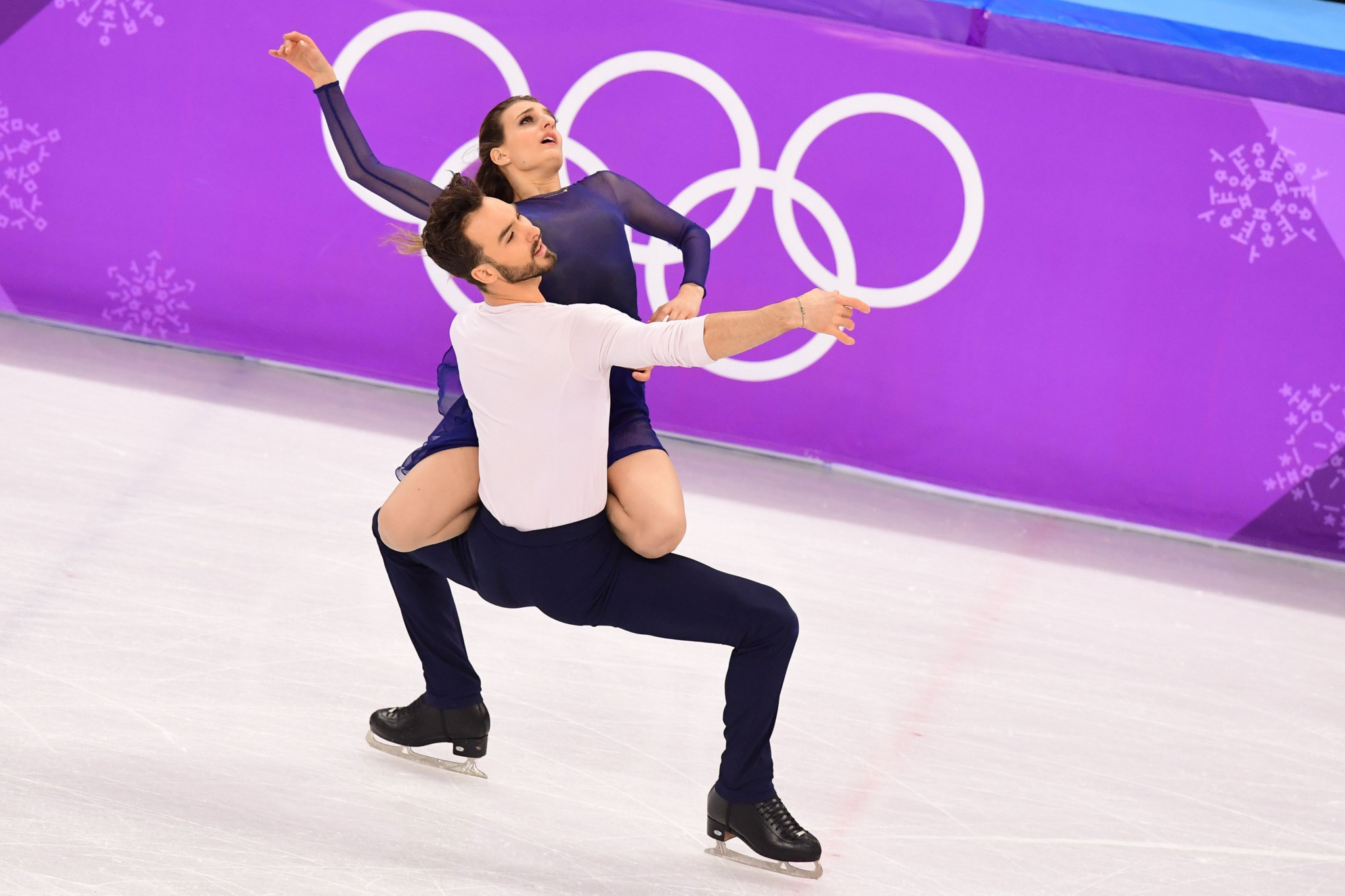 France's Gabriella Papadakis and Guillaume Cizeron claimed the silver medal ©Getty Images
