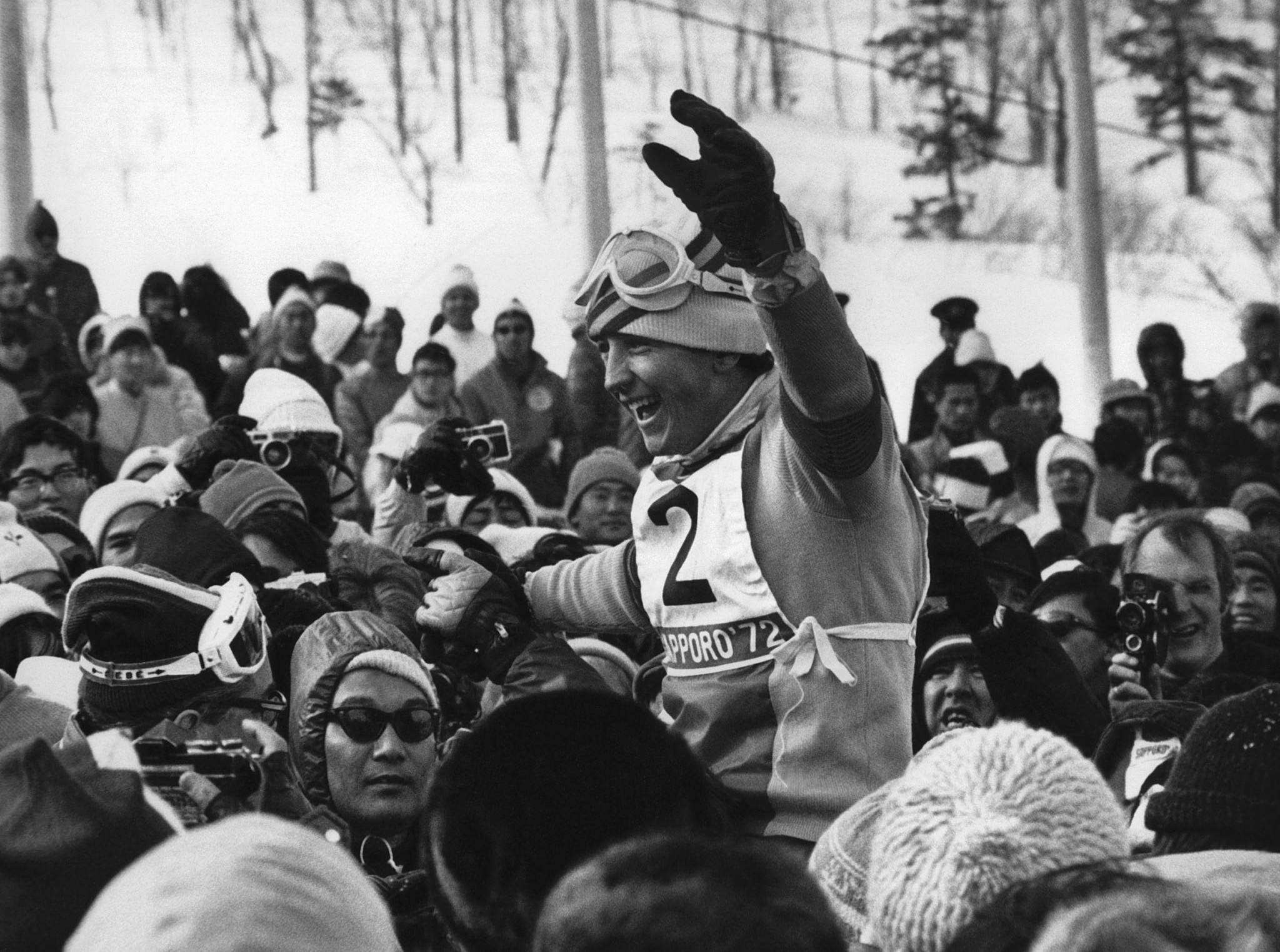 Francisco Fernandez Ochoa celebrates slalom gold at Sapporo 1972 ©Getty Images