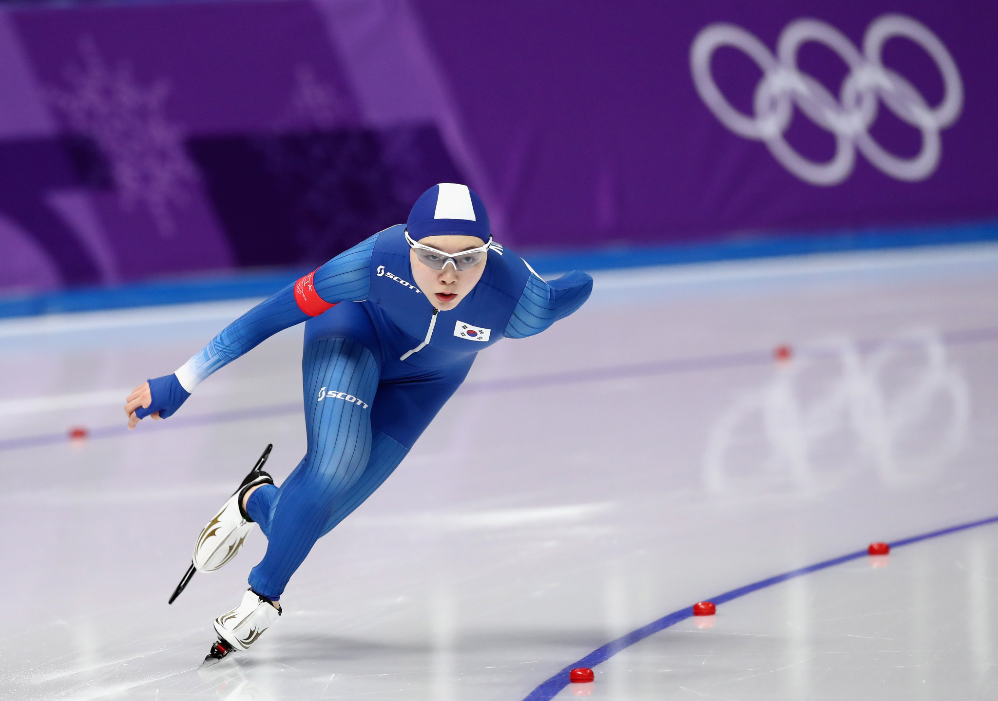 Over half a million people have signed a petition lodged with South Korea's Presidential Blue House calling on two members of the host nation's speed skating team pursuit trio to be banned for their conduct towards Noh Seon-yeong ©Getty Images