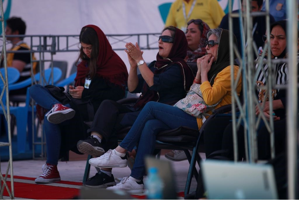 Female fans have been attending the event on Kish Island  ©FIVB