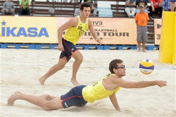 Maxime Thiercy and Arnaud Gauthier-Rat are one step away from a quarter-final spot on Kish Island ©FIVB