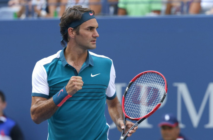 Federer safely through as Murray edges controversial Australian at US Open