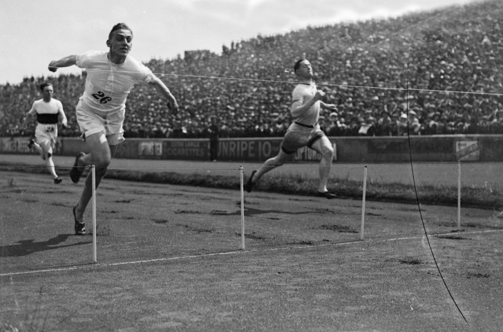 Britain's Harold Abrahams, whose victory at the 1924 Paris Olympics was featured in the Oscar-winning Chariots of Fire, pictured winning the AAA 100 yards title earlier in the same year ©Getty Images