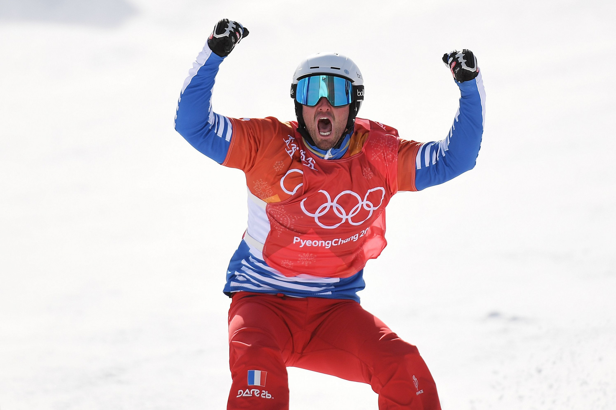 Olympic champions seek to maintain Snowboard Cross World Cup leads in La Molina
