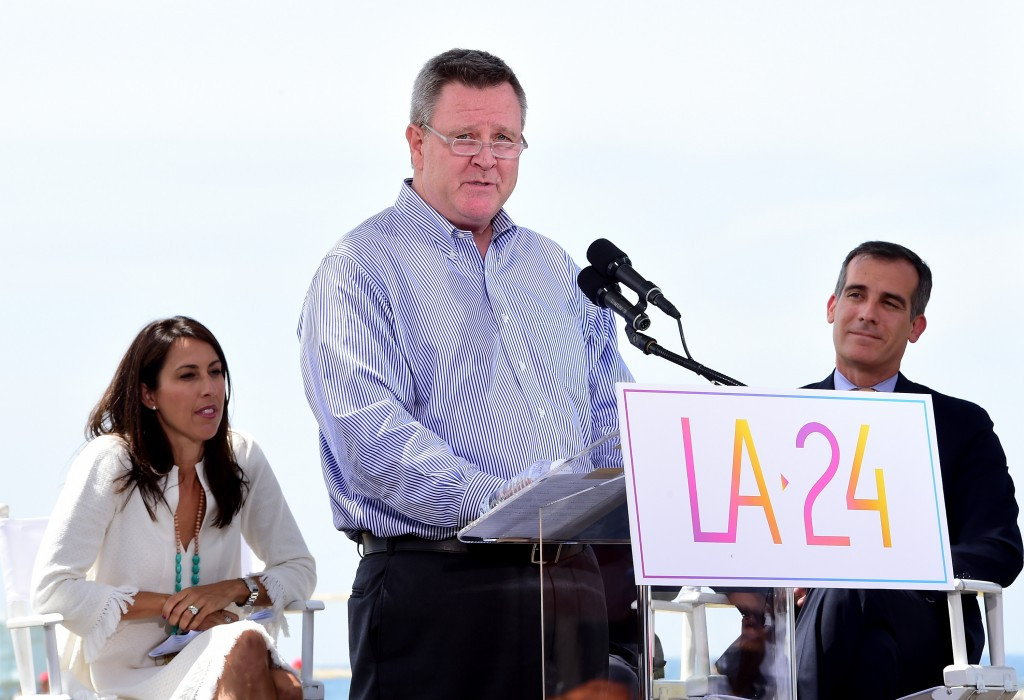 Scott Blackmun showing his support for Los Angeles 2024 earlier this month ©Getty Images