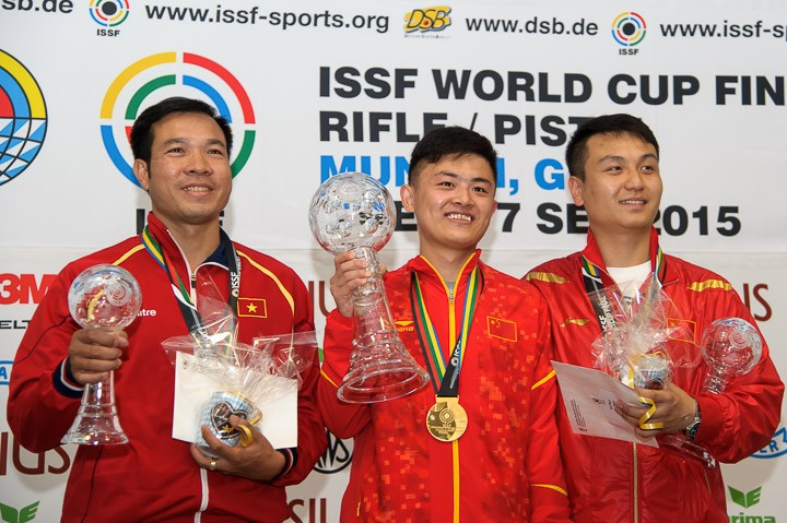 Bowen Zhang and Michael McPhail win gold on opening day of ISSF Rifle and Pistol World Cup Finals