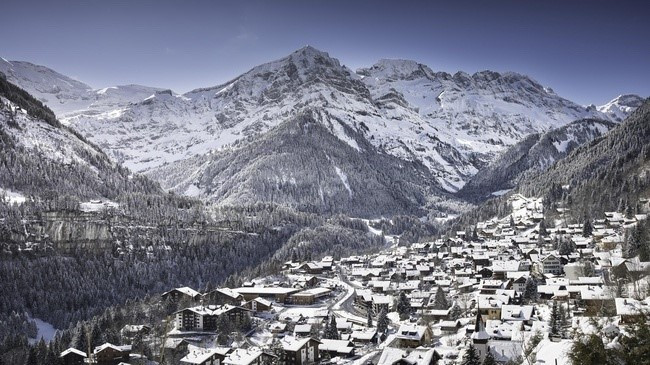 The proposal to hold curling competitions at the Champéry Palladium was accepted by the International Olympic Committee Coordination Commission ©MySwitzerland
