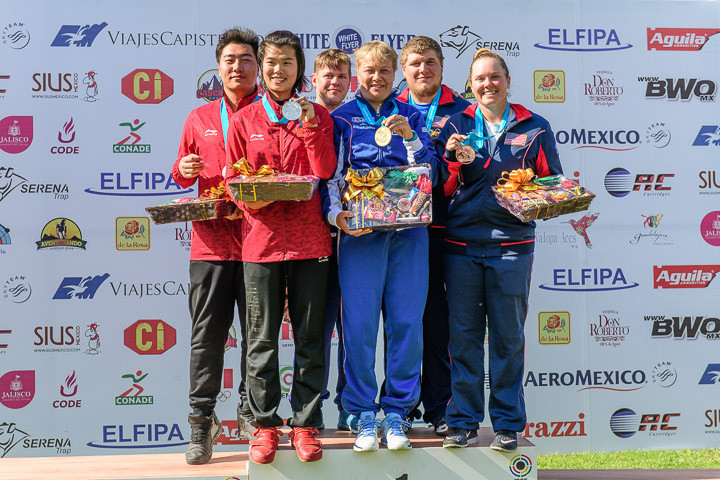 China and the United States joined winners Finland on the mixed team trap podium, taking the silver and bronze medals respectively ©ISSF