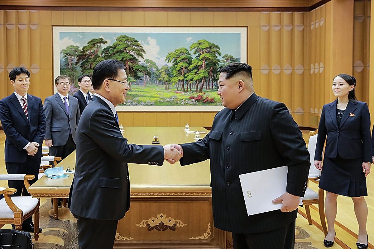 North Korea's leader Kim Jong-un, right, met with South Korean officials earlier this week ©Getty Images